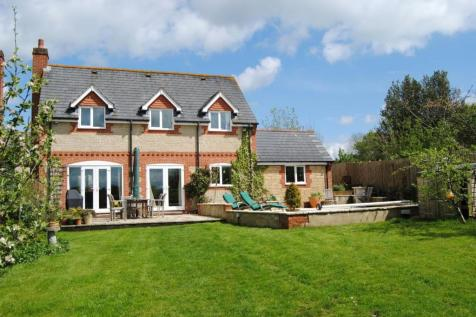 Red House Close, Motcombe, Shaftesbury, Dorset, SP7. 4 bedroom detached house