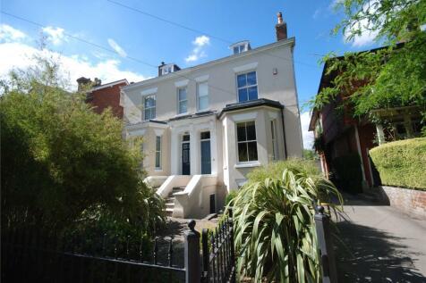 Park Lane, Salisbury, Wiltshire, SP1. 5 bedroom semi-detached house