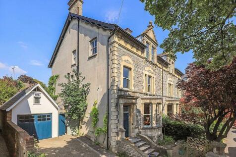 St. Marks Road, Salisbury, Wiltshire, SP1. 7 bedroom semi-detached house