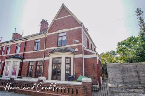 Manor Street, Cardiff. 5 bedroom end of terrace house