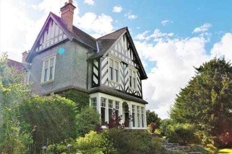 The Drive, Ulverston. 5 bedroom detached house for sale
