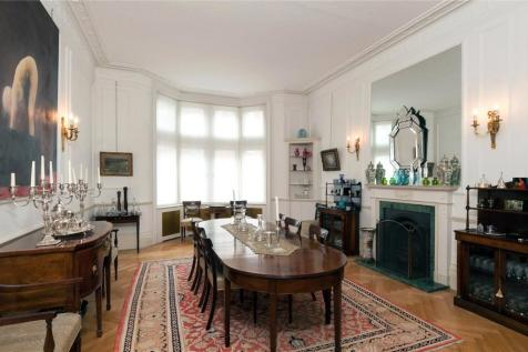 Palace Court, London, W2. 5 bedroom flat for sale
