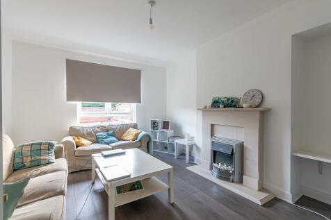 George Drive Midlothian EH20 9DL United Kingdom. 2 bedroom semi-detached house