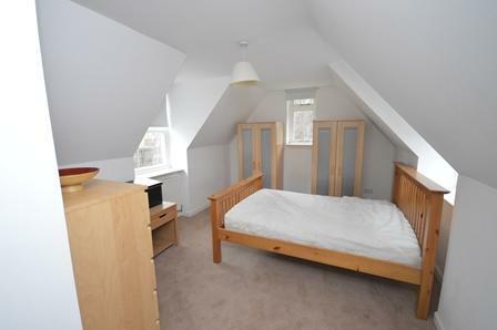 Beeslack Lodge Edinburgh Road Penicuik EH26 0QF United Kingdom. 6 bedroom flat share