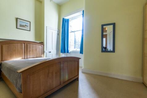 Montgomery Street Edinburgh EH7 5HE United Kingdom. 1 bedroom flat