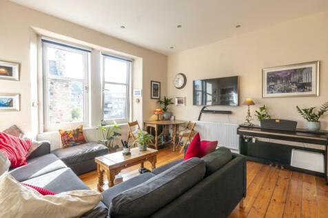 Pleasance Edinburgh EH8 9RU United Kingdom. 2 bedroom flat
