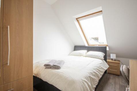 Nicolson Street Edinburgh EH8 9EH United Kingdom. 1 bedroom flat share