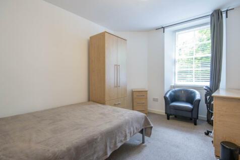 West Nicolson Street Edinburgh EH8 9DB United Kingdom. 2 bedroom semi-detached house