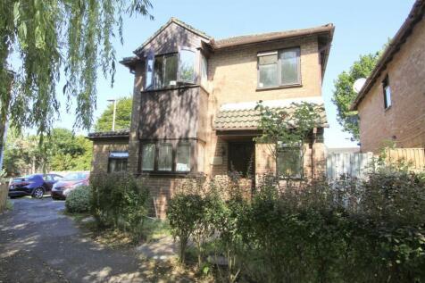 Shorediche Close, Ickenham, UB10. 4 bedroom detached house