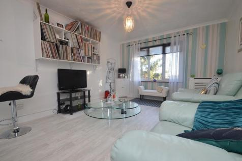 Gell Close, Ickenham, UB10. 1 bedroom apartment