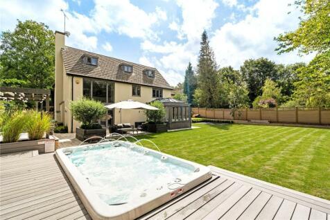 The Lindens, Felden, Hemel Hempstead, Hertfordshire, HP3. 5 bedroom detached house