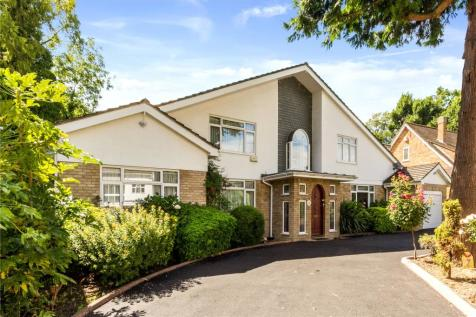 The Dell, Pinner, Middlesex, HA5. 5 bedroom detached house