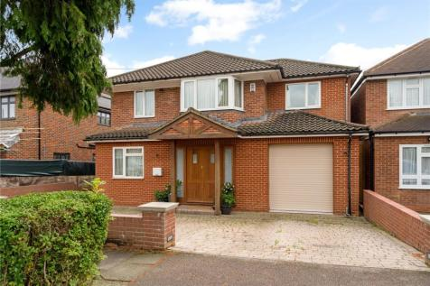 Cedar Drive, Pinner, Middlesex, HA5. 4 bedroom detached house for sale