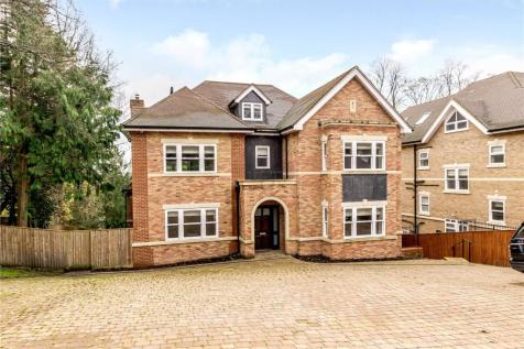 The Drive, Rickmansworth, Hertfordshire, WD3. 6 bedroom detached house for sale