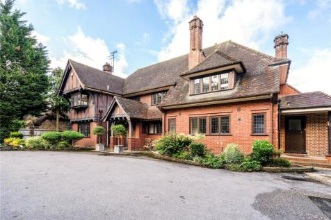 Nascot Wood Road, Watford, Hertfordshire, WD17. 5 bedroom detached house for sale