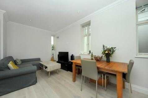 Evelyn Grove, W5. 1 bedroom apartment