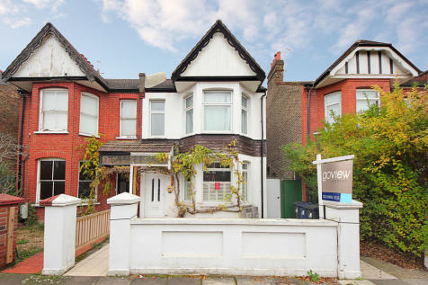 Coldershaw Road, W13. 2 bedroom ground floor flat for sale