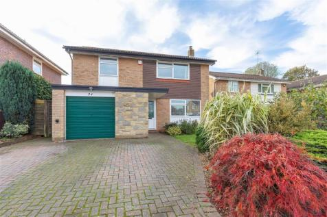 Glendale Close, Horsham. 4 bedroom detached house for sale