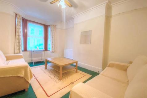 Naseby Road, Luton. 3 bedroom terraced house