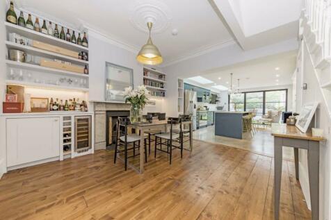 Kingsley Road, London. 5 bedroom terraced house for sale