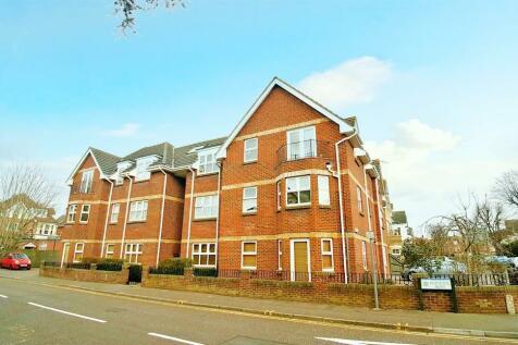 Heathcote Road, Bournemouth, Dorset, BH5. 2 bedroom flat