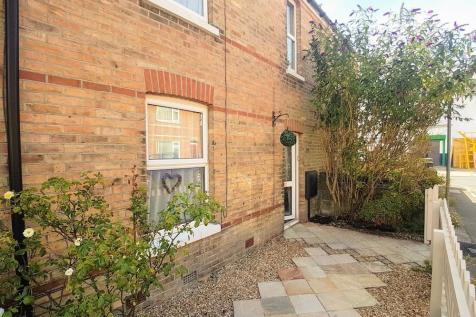 Carlton Grove, Parkstone, Poole, Dorset, BH12. 2 bedroom terraced house
