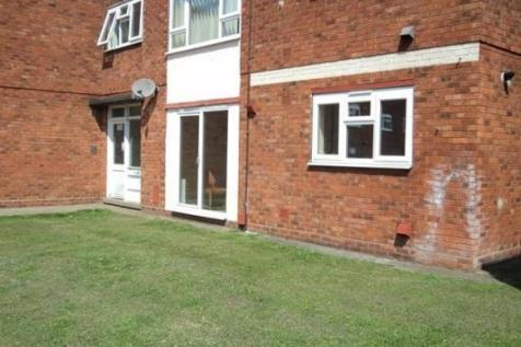 Cannon Street, LINCOLN. 3 bedroom flat