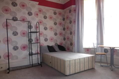 West Parade, Lincoln. 1 bedroom flat