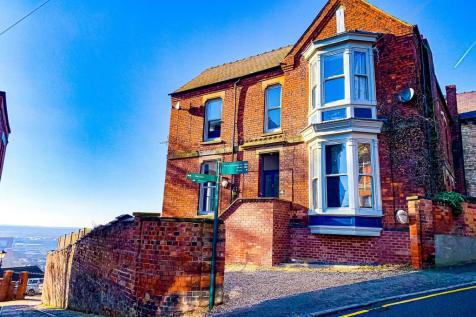Spring Hill, LINCOLN. 3 bedroom apartment