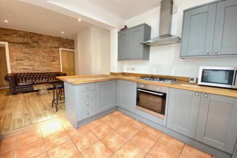 Highland Road, NORWICH. 4 bedroom terraced house