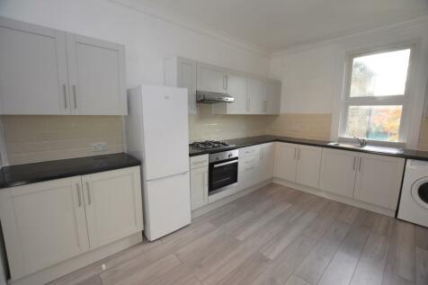 Mackenzie Road Beckenham BR3. 2 bedroom flat