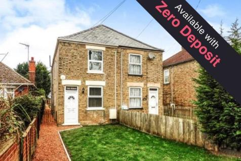 High Road, Wisbech St. Mary, Wisbech. 3 bedroom semi-detached house