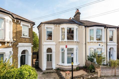 St. Swithuns Road Hither Green SE13. 3 bedroom flat for sale