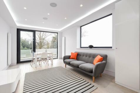Lordship Lane East Dulwich SE22. 2 bedroom flat