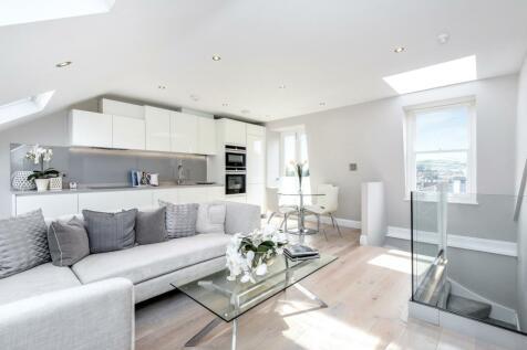 Friern Road London SE22. 2 bedroom flat