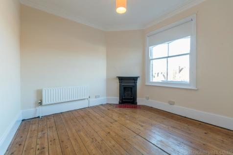 Forest Hill Road East Dulwich SE22. 2 bedroom flat