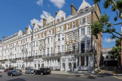 Harrington Gardens, South Kensington. Studio flat