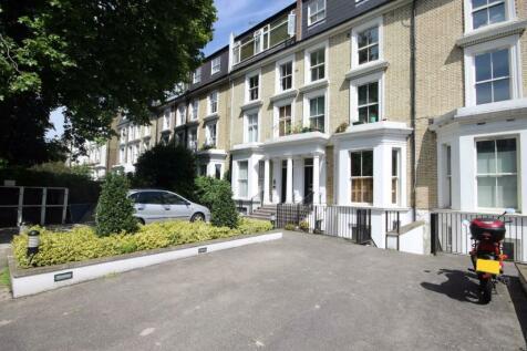 Elsham Road, West Kensington. Studio flat