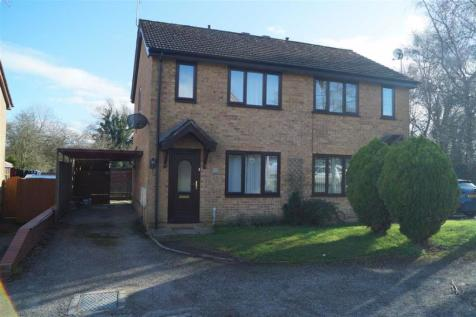 Oak Drive, Whitchurch, SY13. 2 bedroom semi-detached house