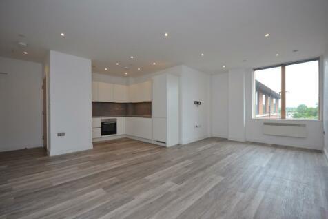 Elmfield Road Bromley BR1. 1 bedroom flat