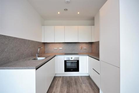 Elmfield Road Bromley BR1. Studio flat