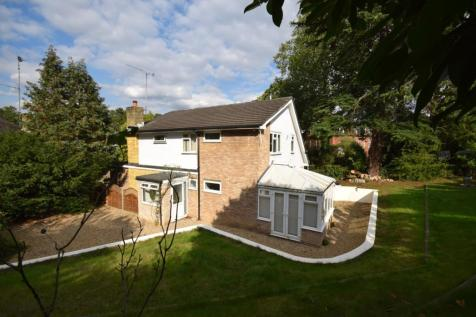 Merewood Close Bromley BR1. 4 bedroom detached house