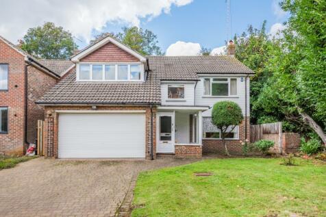 Walsingham Park Chislehurst BR7. 4 bedroom detached house for sale