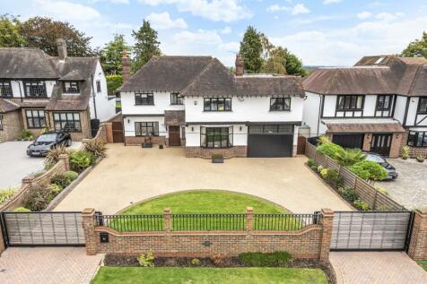 Highfield Road Chislehurst BR7. 5 bedroom detached house for sale
