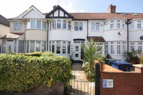 St. Crispins Close, Southall. 3 bedroom terraced house