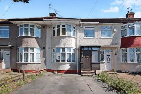 Westbury Avenue, Southall. 3 bedroom terraced house for sale