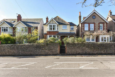 Broyle Road, Chichester. 3 bedroom detached house for sale
