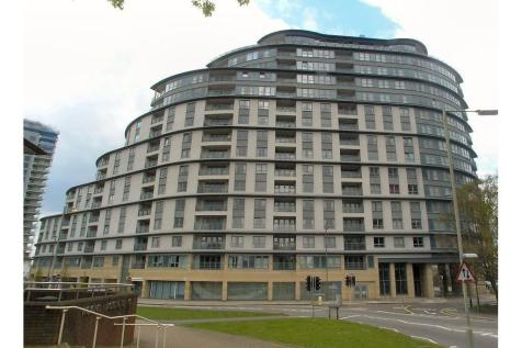 Station Approach, Woking. 2 bedroom apartment