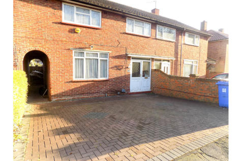 Blackmore Crescent, Woking. 1 bedroom house share