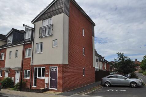 Kiln View, Hanley, Stoke-on-Trent, ST1 3GA. 4 bedroom town house